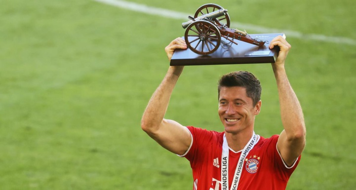 Bundesliga : Robert Lewandowski, meilleur footballeur de la saison et candidat sérieux au ballon d'or