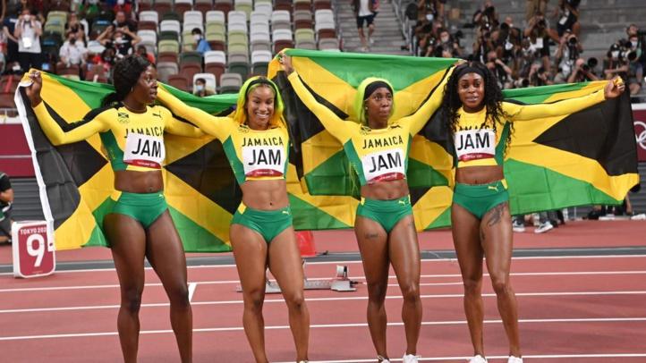 JO-Athlétisme : Les Jamaïcaines médaillées d'or du relais 4x100 mètres devant les Américaines