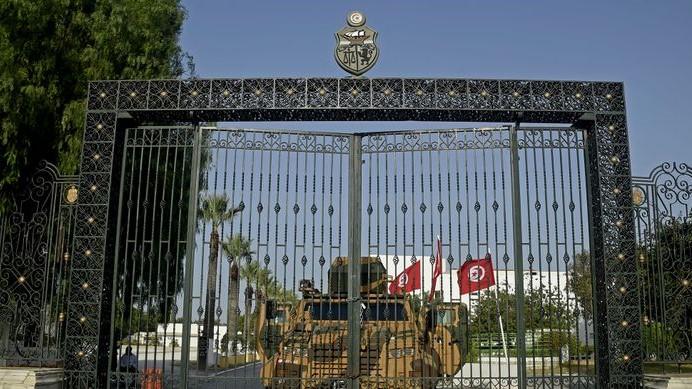 Tunisie : Après trois semaines de gel parlementaire, quelle suite aux mesures de Saïed ?