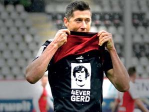 Le meilleur avant-centre de tous les temps n'est plus : Le monde du football pleure Gerd Müller, le légendaire attaquant
