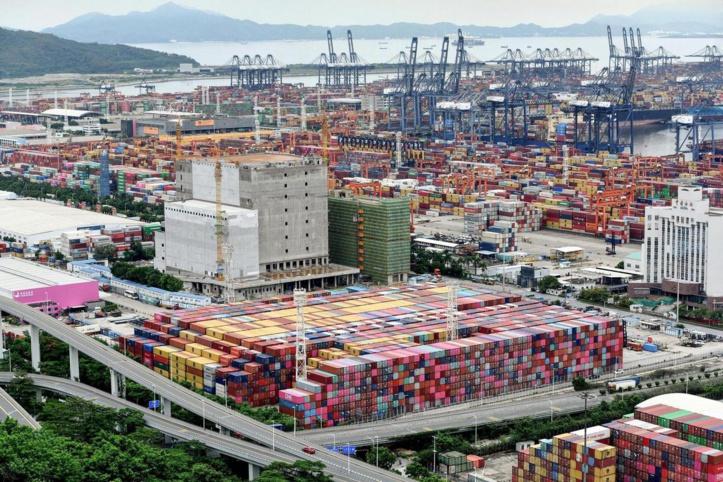 Chine : Les mesures anti-Covid provoquent des embouteillages dans les ports