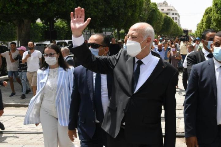 Tunisie: Prolongement du gel du parlement par le président