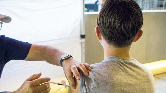 La vaccination des 12-17 ans démarrera le 31 août