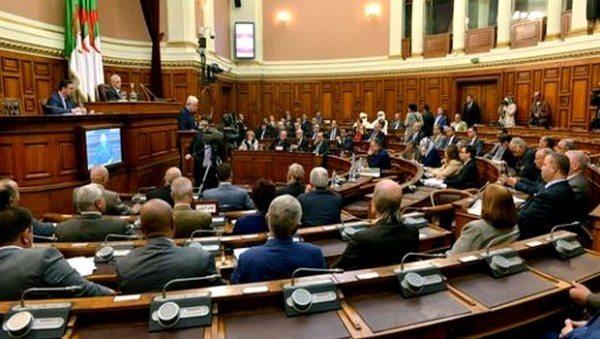 La rupture des relations avec le Maroc « auréolée » au Parlement algérien