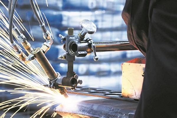 Repli de l'activité industrielle en juillet
