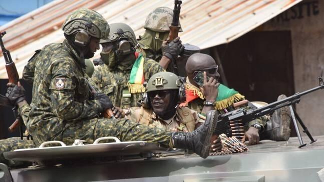 Guinée: Les militaires prennent le pouvoir et abolissent la Constitution
