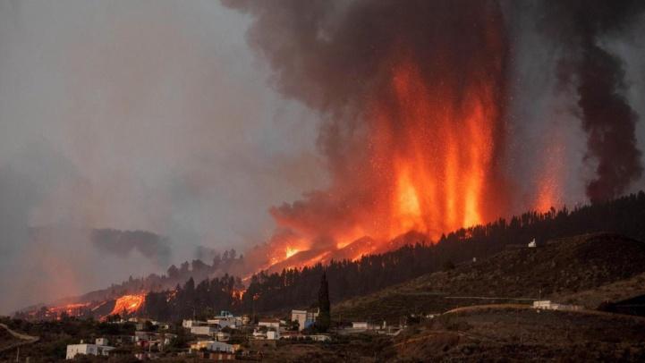 Canaries : Coulées de lave et évacuations se poursuivent