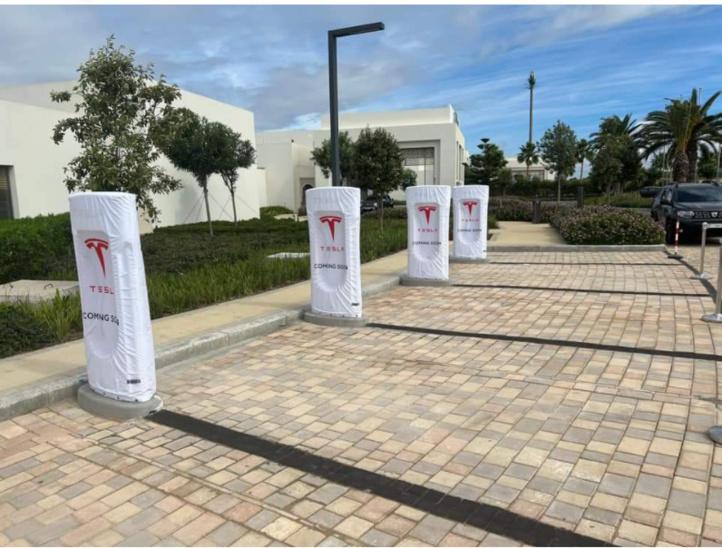 Les premières bornes de recharge Tesla en Afrique installées à Casablanca et Tanger