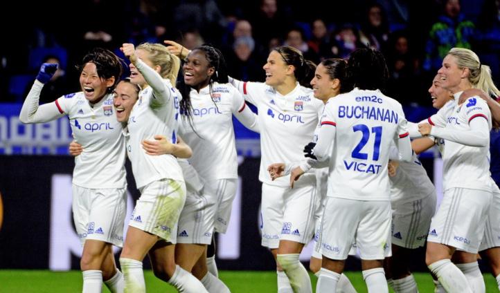 Le football un art avec les reines