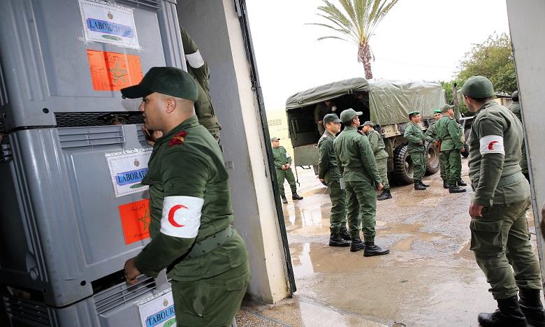 Coronavirus: Médecines militaire et civile main dans la main
