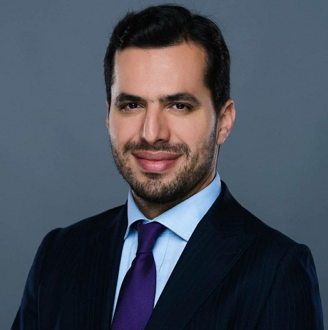 Kamal Zine, Consultant en banques et assurances