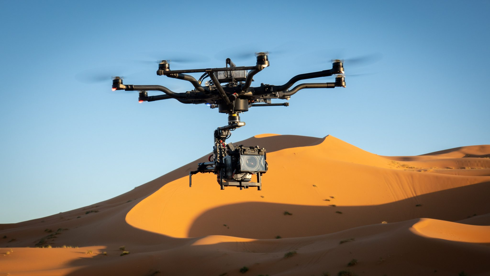 Difficile d'échapper à la vigilance des drones, surtout en zone déserte