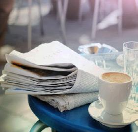 Déconfinement : Lire le journal en buvant un café ou... boire un café en lisant le journal ?