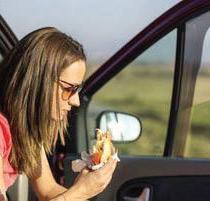 Vacances : Que boire et manger avant de prendre la route