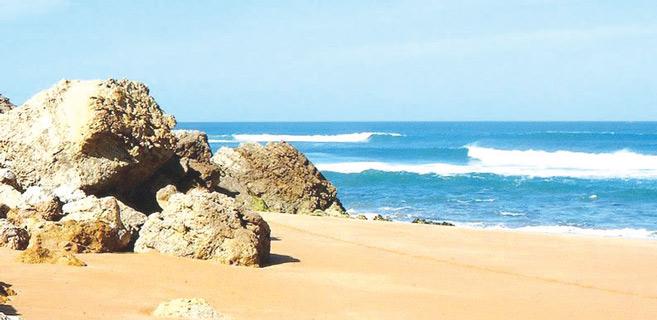 Safi : Le Surf parc de Sidi Bouzid, une plage très prisée !