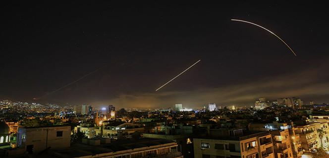 Syrie : La DCA syrienne riposte aux frappes israéliennes