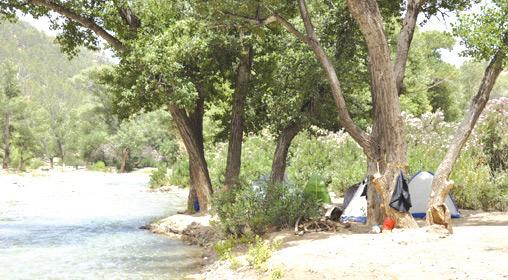 Azilal / Oued Ahansal : Un camping pour fuir la canicule