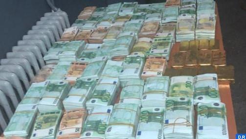 Oujda: Saisie de 20Kg de plaques d'or et plus de 2 millions d'euros provenant probablement d'activités criminelles