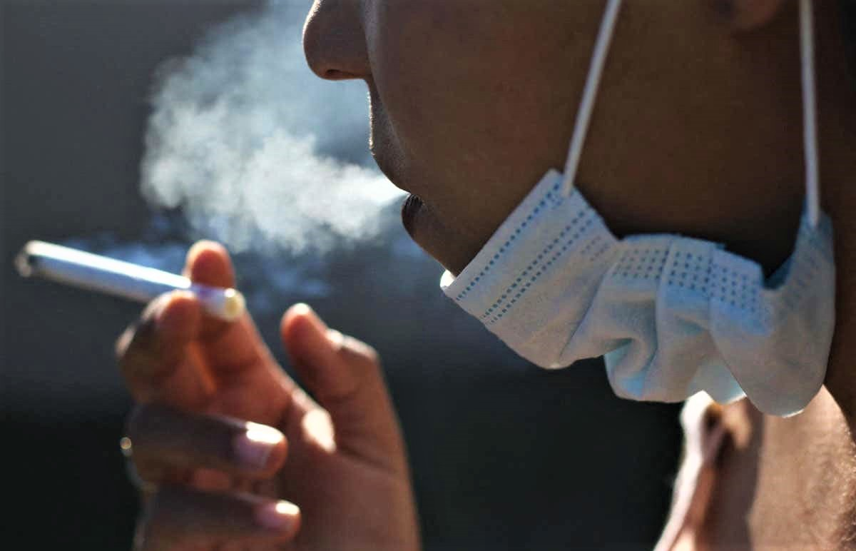 Covid-19 et tabagisme passif: les fumeurs, contaminateurs potentiellement majeurs