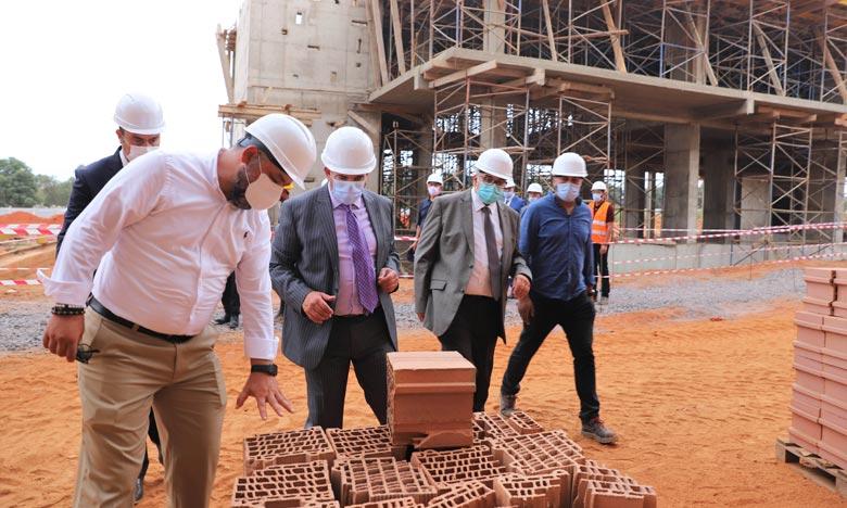 Saaid Amzazi visite les Travaux de construction de l'Institut national de formation des formateurs et de des tuteurs à Tamesna.