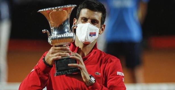 Tennis : Djoko et Halep s'illustrent à Rome