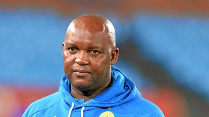 C'est officiel : Pitso Mosimane, ex-coach de Sundowns, nouvel entraîneur d'Al Ahly