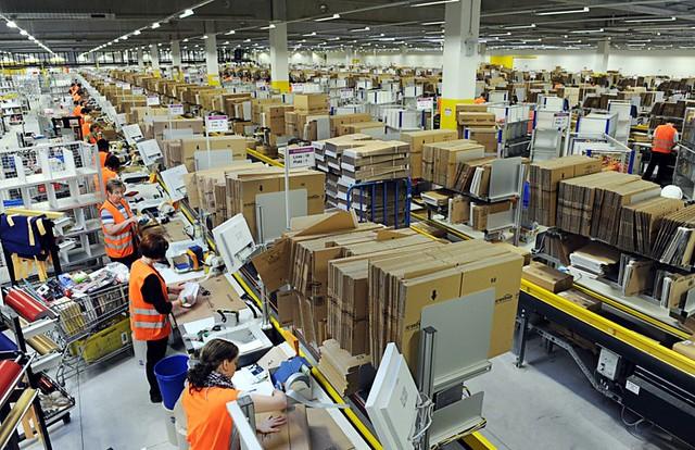 Amazon annonce la contamination de 20.000 salariés au Covid-19