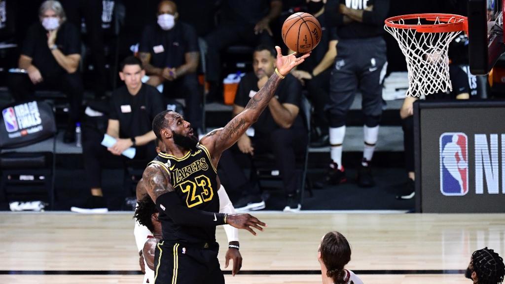 Finale NBA: Les Lakers sans pitié, font le break contre Miami
