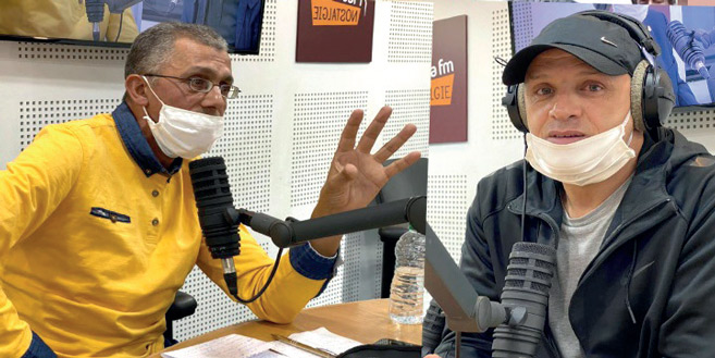 Bidane et Abderrazak Bel Majdoub au micro de Médina FM. Phs Laglag