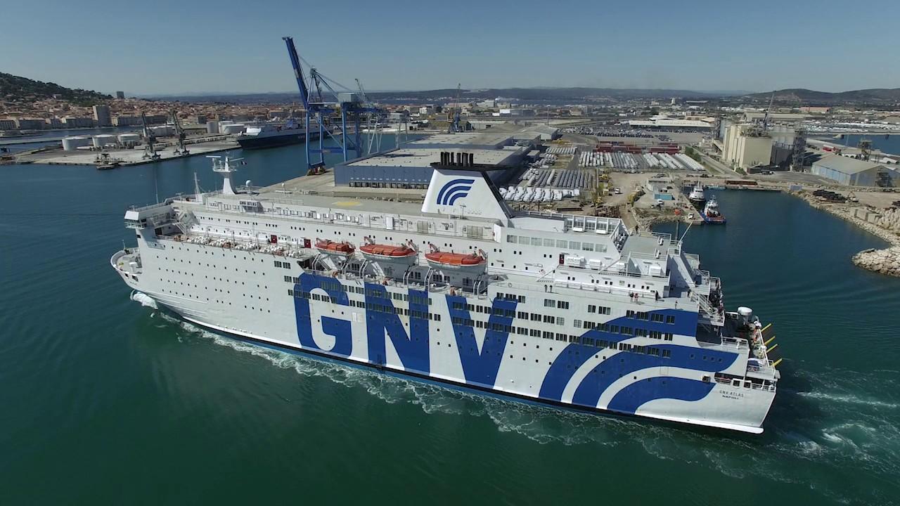 Après un long blocage, le ferry en provenance de Nador, accoste finalement au port de Sète