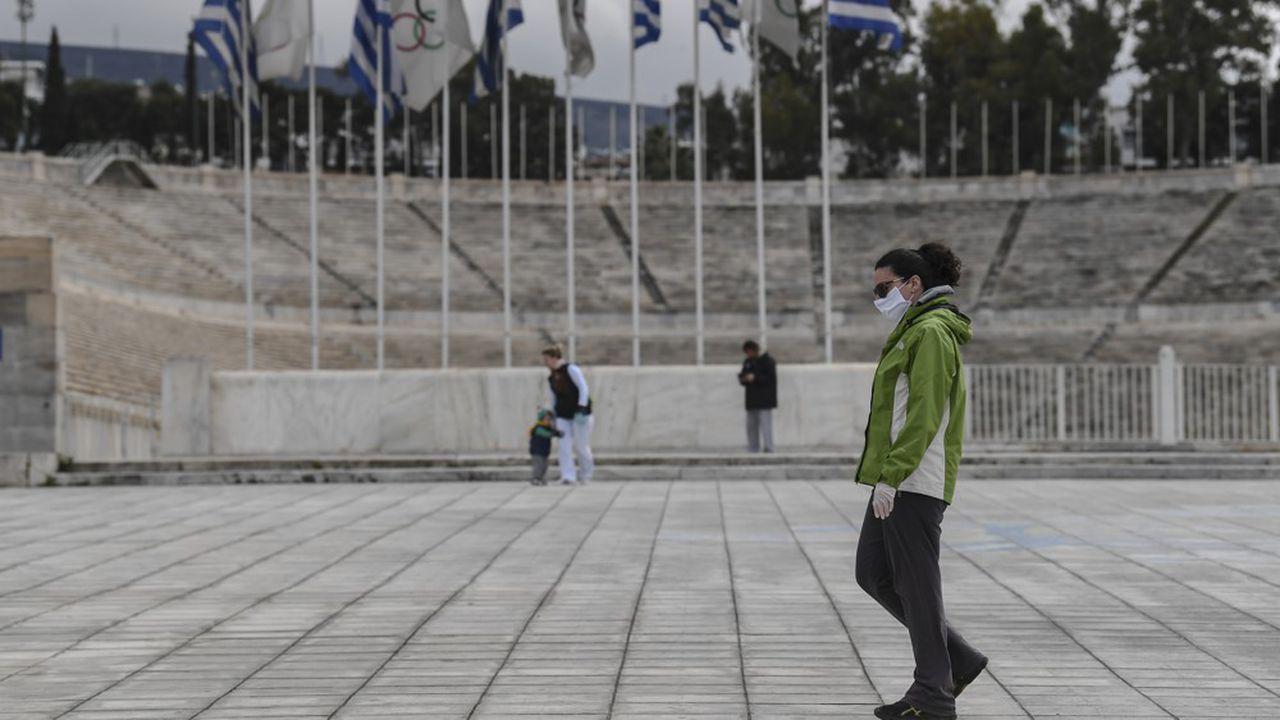 La Grèce annonce un confinement partiel à partir de mardi