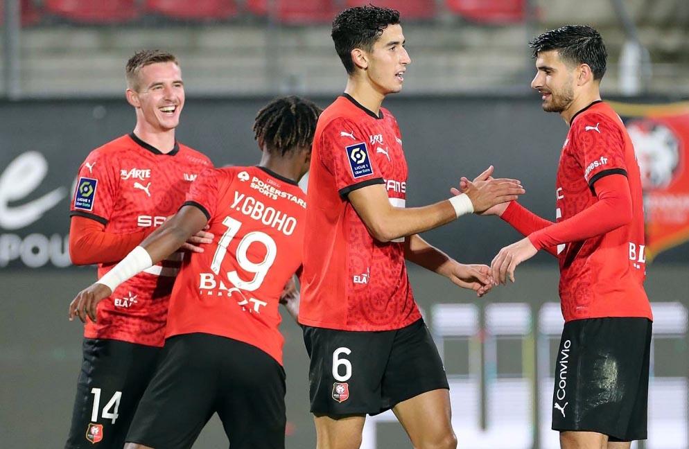 Le défenseur marocain Nayef Aguerd (6).