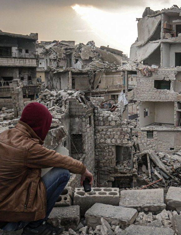 Syrie: Tirs d'artillerie sur Idleb