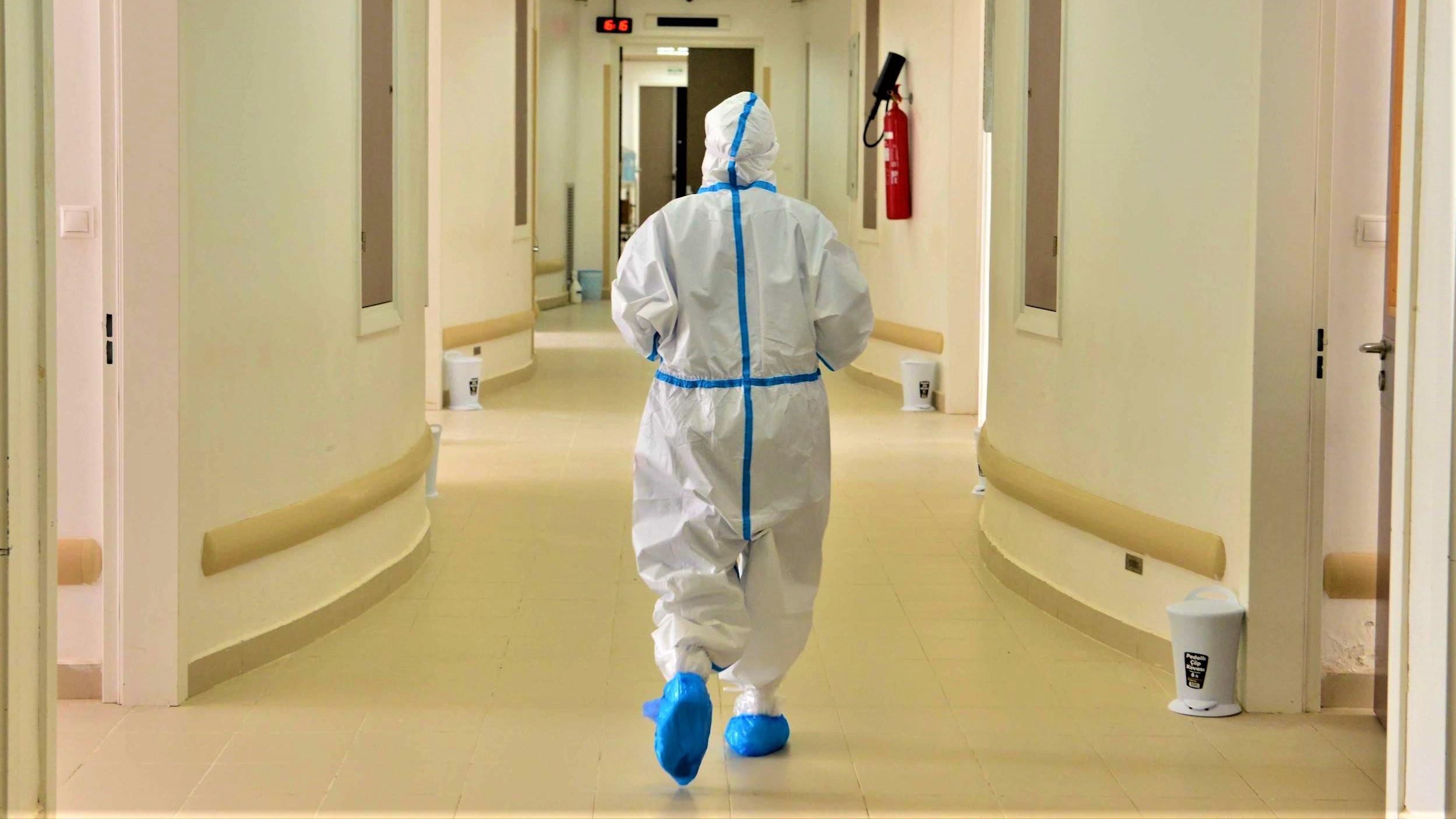 Compteur coronavirus : record inquiétant des contaminations, 6.195 cas en 24H et 64 décès