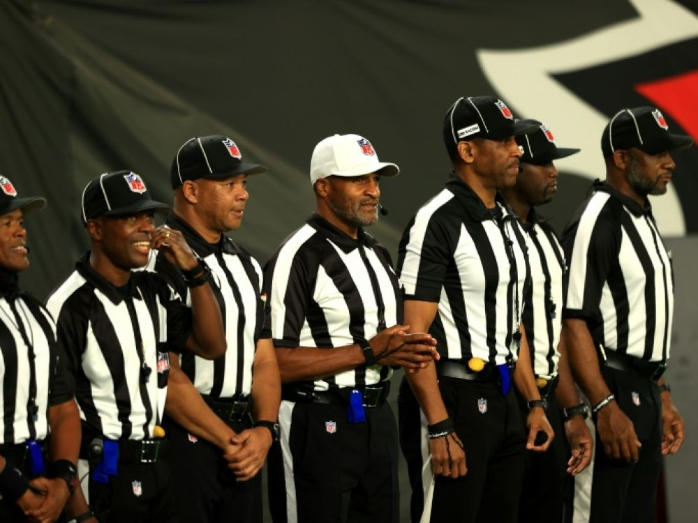Première historique en NFL :  Un corps arbitral exclusivement noir officie pour la première fois en match