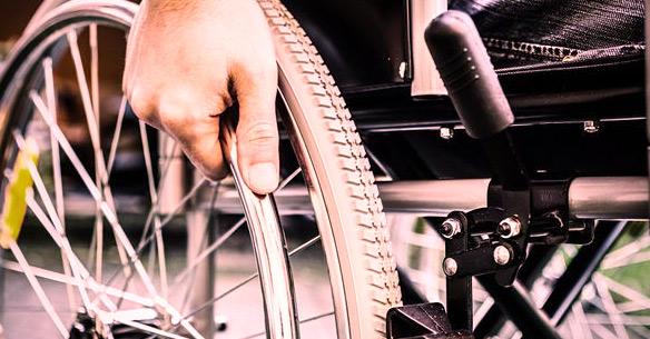La paraplégie : Causes, symptômes et traitement