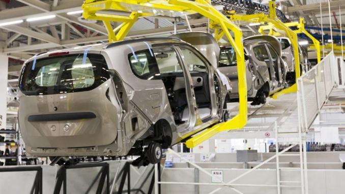 """France Info : """"Le secteur automobile acteur majeur de l'économie marocaine"""""""
