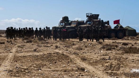 El Guerguerat : les Forces Armées Royales ont visé des positions des séparatistes à l'est du mur de défense en réponse aux provocations du Polisario (Forum FAR-Maroc)