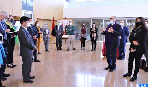 Une délégation de haut niveau s'intéresse aux projets de recherche menés par la Fondation MAScIR