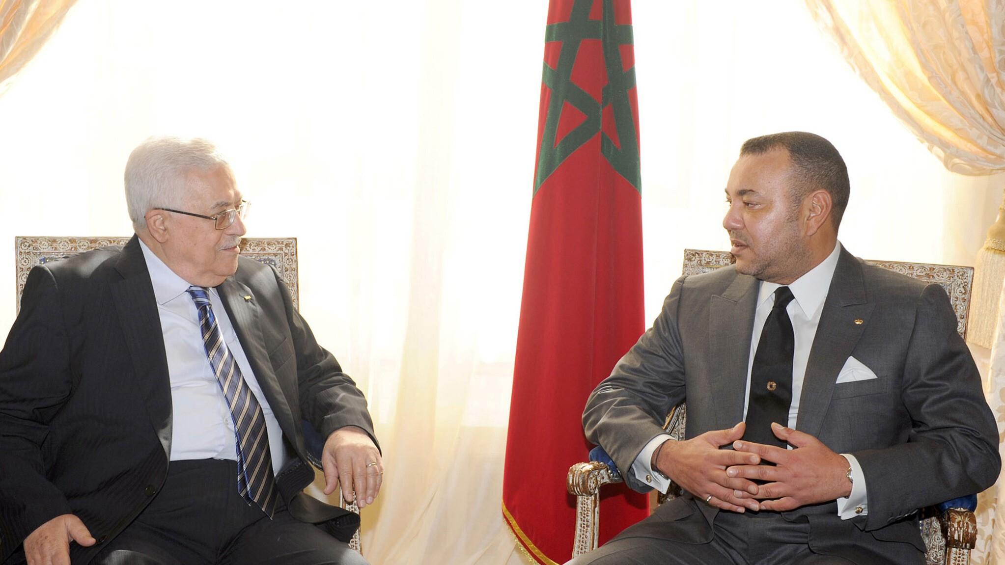 SM le Roi informe Mahmoud Abbas qu'il convoquera le Comité Al Qods