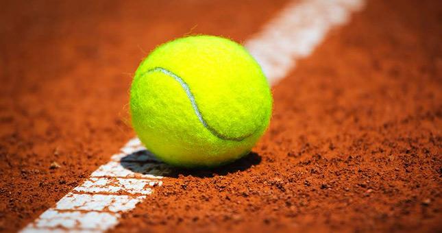 Tennis : Entre démarrage et bouclage