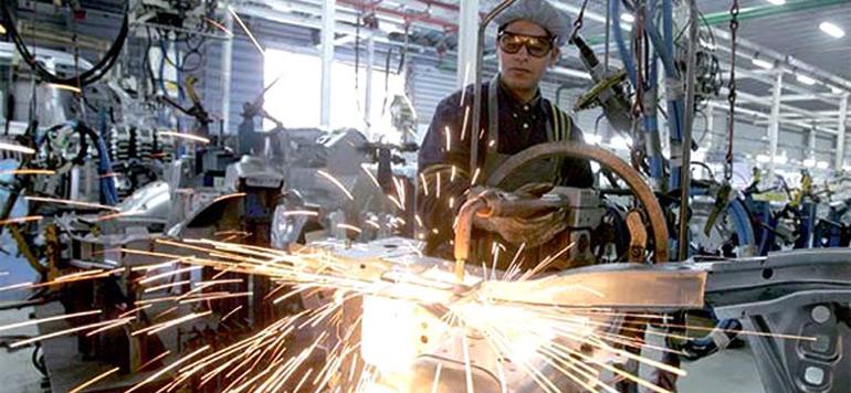 Industrie manufacturière: les entreprises sortent du pessimisme