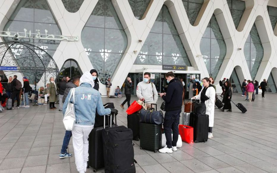 Nouvelle variante du Covid: le Maroc suspend ses vols en provenance de plusieurs pays