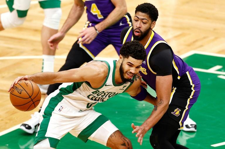 """NBA:  Les Lakers viennent à bout des Celtics, Lillard en mode """"Dame Time"""""""