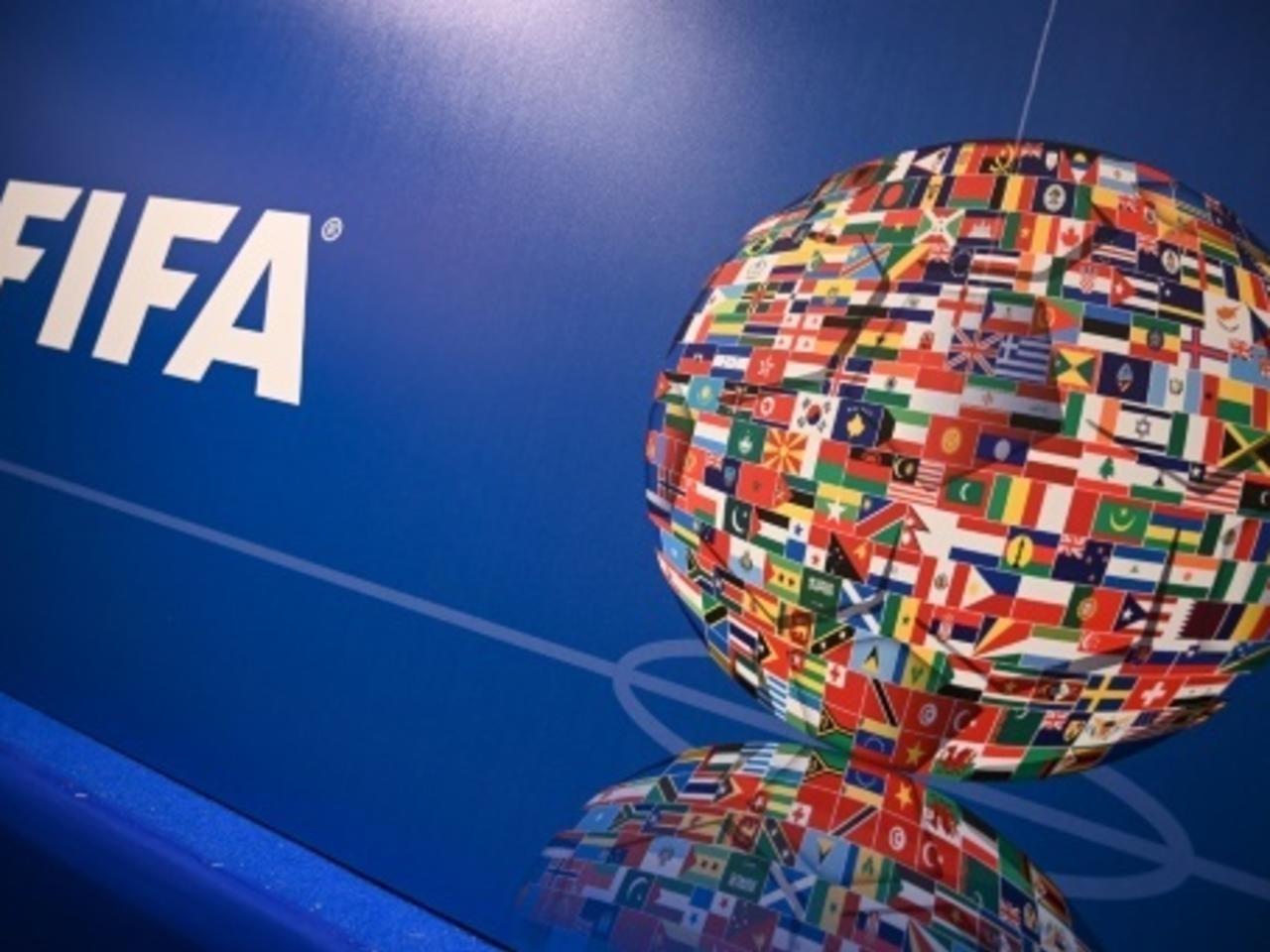 """Vaccination anti Covid-19 / La FIFA : """"Les footballeurs ne peuvent être prioritaires. C'est contraire à l'éthique !"""""""