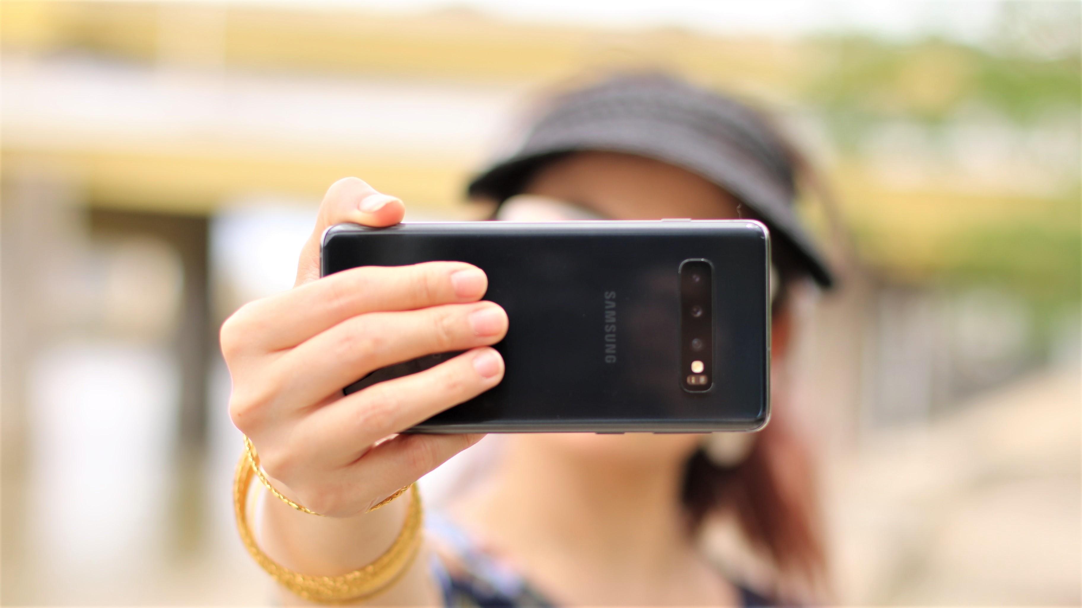 """L'bankalik lance un parcours d'ouverture de compte avec un """"Selfie"""""""