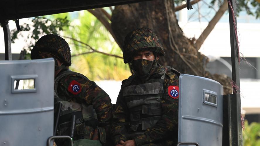 Birmanie: Facebook ferme tous les comptes liés à l'armée