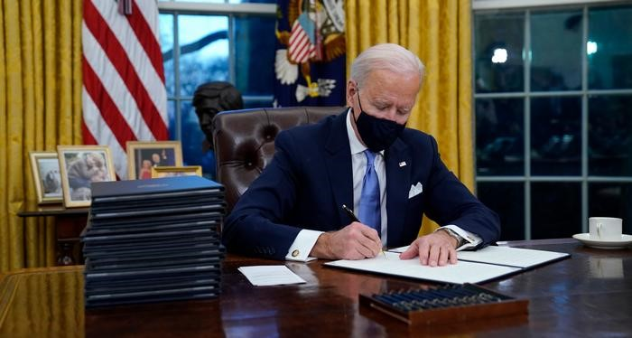 Sahara : D'éminentes personnalités internationales appellent Biden à appuyer la décision Américaine