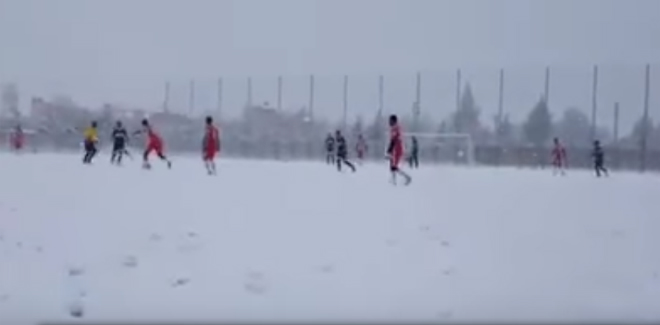 Botola Pro D2 : Chabab Khénifra- Olympique Dcheira interrompu pour cause de neige !