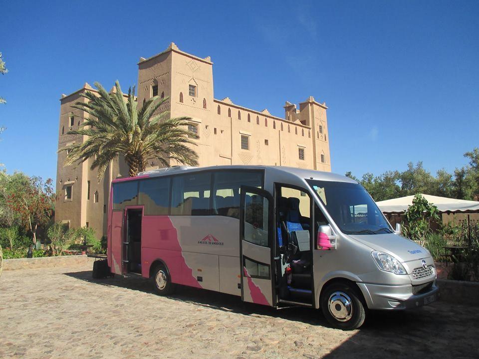 Crise des transporteur touristiques : le ministère du Transport se dit ouvert au débat